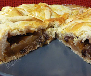 Traditional Apple Pie - By happystove.com