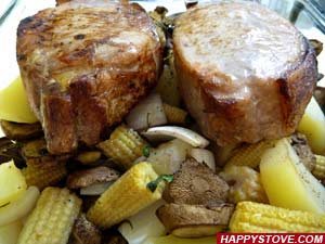 Pork Loin with Potatoes, Mushrooms and Baby Corn - By happystove.com