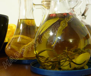 How to Make Homemade Flavored Oils - By happystove.com
