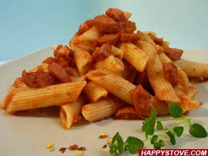 Penne Pasta with Frankfurters and Tomato Sauce - By happystove.com