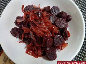 Stir Fried Red Beets with Onions - By happystove.com